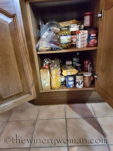 Cupboards-under-counter