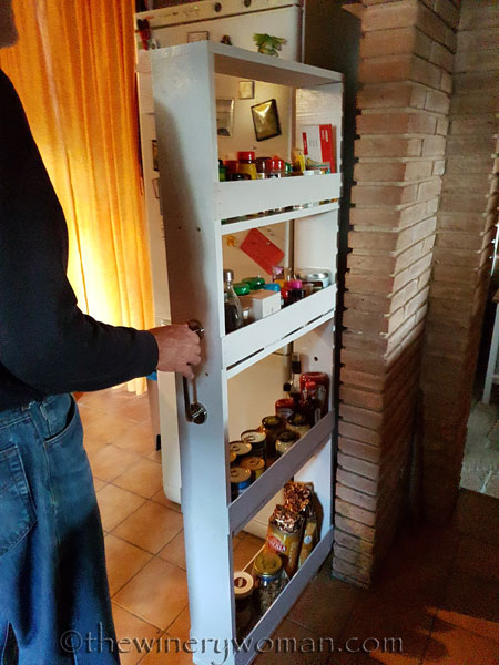 Pull-out-pantry11