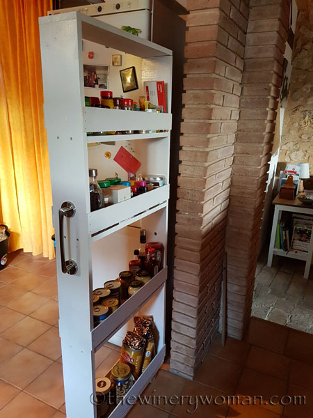 Pull-out-pantry8