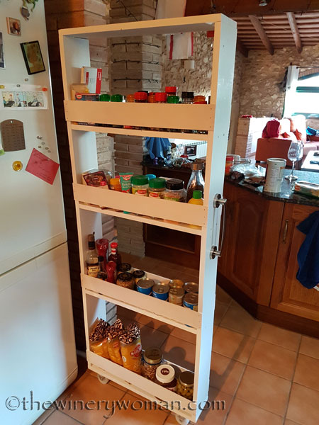 Pull-out-pantry9