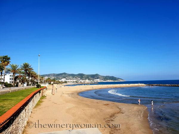 Beach_Sitges2_10.23.18_TWW