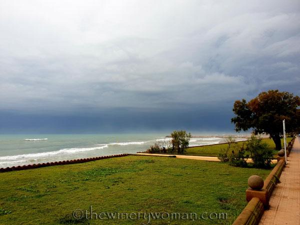 Stormy_skies_beach_Sitges2_10.19.18_TWW