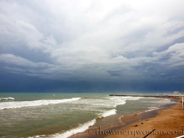Stormy_skies_beach_Sitges6_10.19.18_TWW