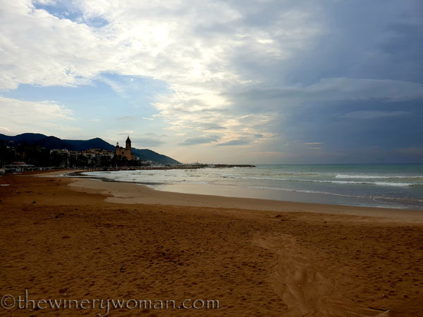 Stormy_skies_beach_Sitges9_10.19.18_TWW