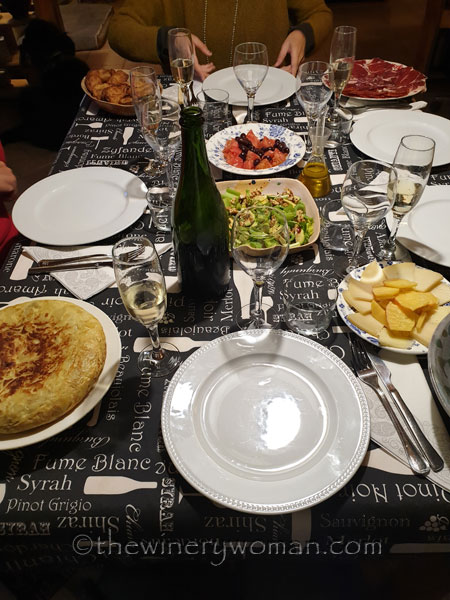 Friends_Dinner_4.5.19_TWW