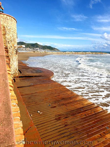 Beach_Sitges26_10.23.19_TWW