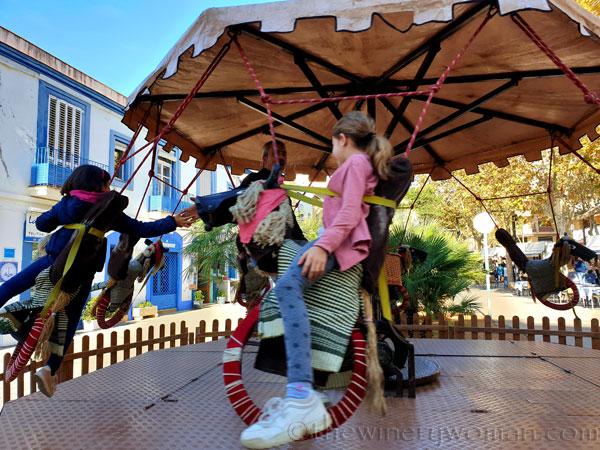 Merry-go-round5_11.9.19_TWW